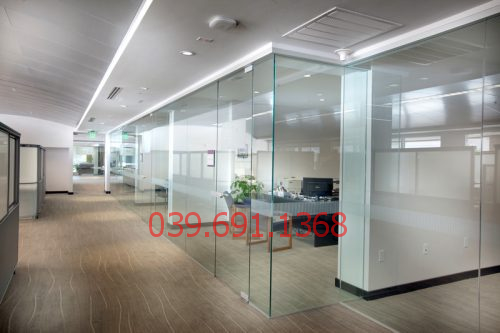 Mẫu vách kính cường lực văn phòng