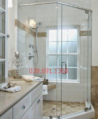 Vách kính phòng tắm giá bao nhiêu